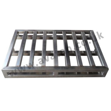 47-Stainless-Steel-Pallets-372x372