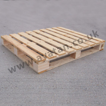 Timber-pallet-full-perimeter-base-372x372