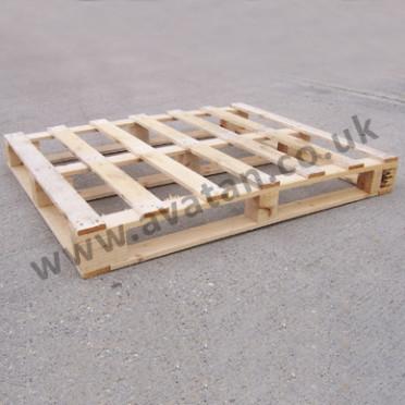 Timber-pallet-full-perimeter-base-light-duty-372x372