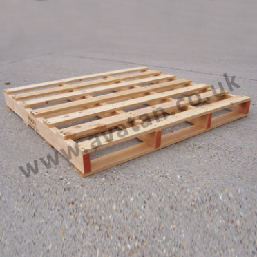 Timber-pallet-two-way-entry-372x372
