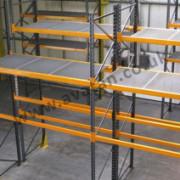 Pallet racking decked shelves